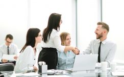 Friendship Day Special: Top 5 advantages of a friendly workplace
